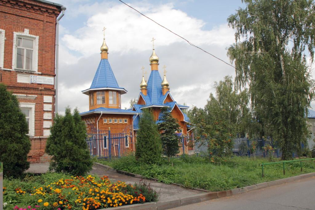 Храм в честь Владимирской иконы Божией Матери (на территории Введенского собора)